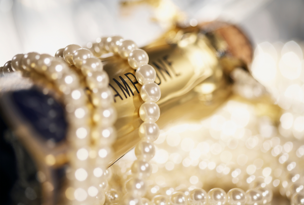 How to Start a Pearl Party Business