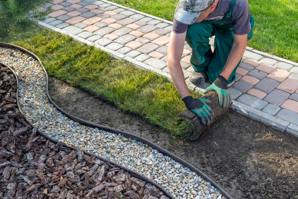 How to Start a Landscaping Business with No Money