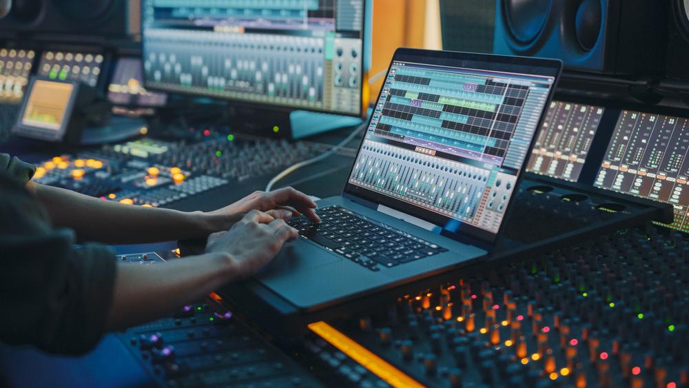 Hire Skilled Music Editors